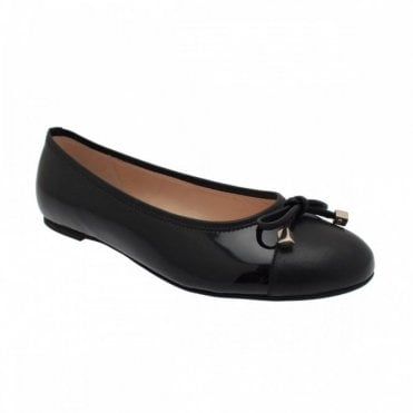 Ballerina Pump With Toe Panel And Bow