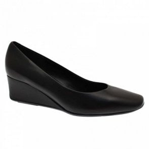 Classic Wedge Court Shoe