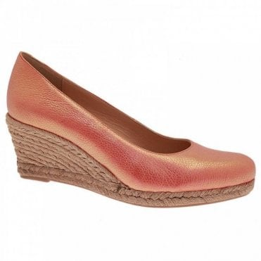 Low Wedge Closed Toe Shoes