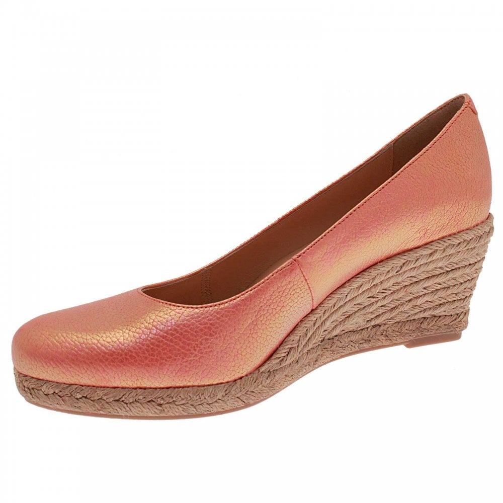 Low Wedge Closed Toe Shoe By Marian At Walk In Style