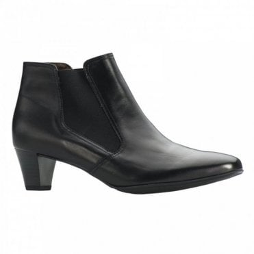 Side Stretch Ankle Boot