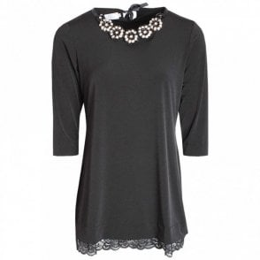 Three Quarter Sleeve Top Collar Detail