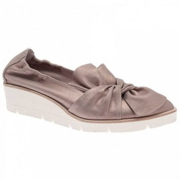 Twist Bow Low Wedge Moccasin
